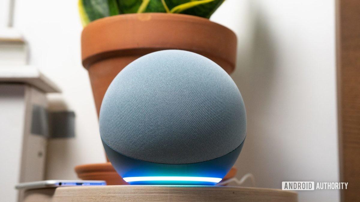 Amazon Echo герой 4-го поколения