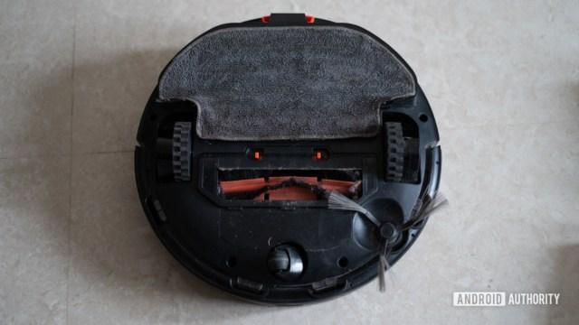 Mi Robot Vacuum Mop P показывает дно