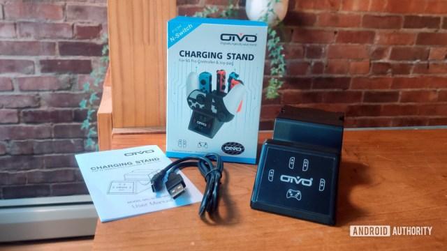 Подставка для зарядки Oivo для контроллеров Nintendo SWitch. Обзор Содержимое коробки