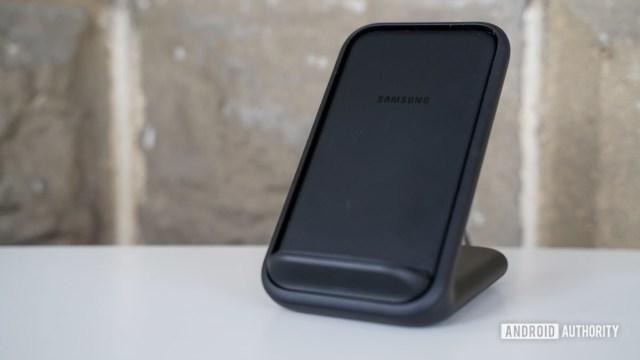 Автономное беспроводное зарядное устройство Samsung
