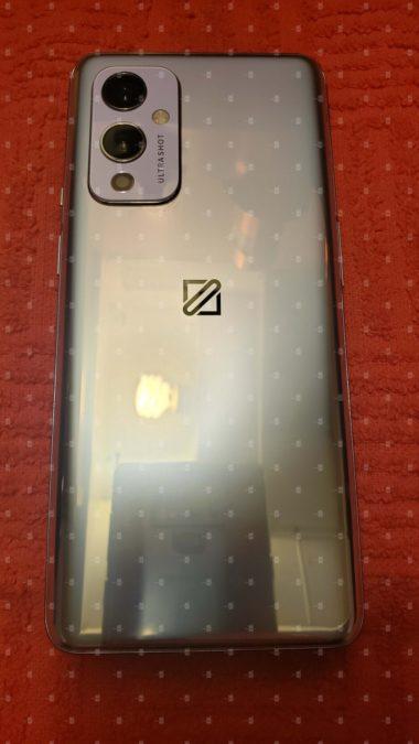 OnePlus 9 5G 1'de eller