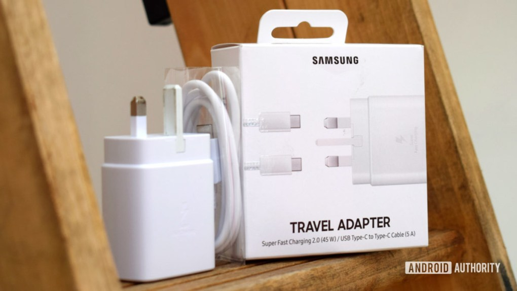 Samsung 45W Travel Adapter box contents