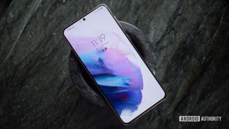 Samsung Galaxy S21 Plus lockscreen