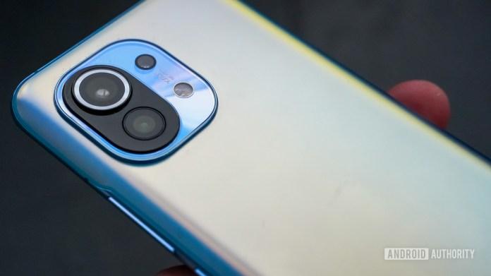 Xiaomi Mi 11 angled camera