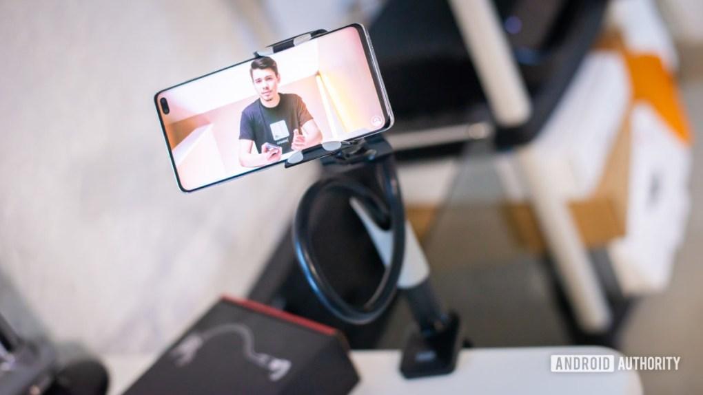 Saiji Gooseneck Phone Holder review 4