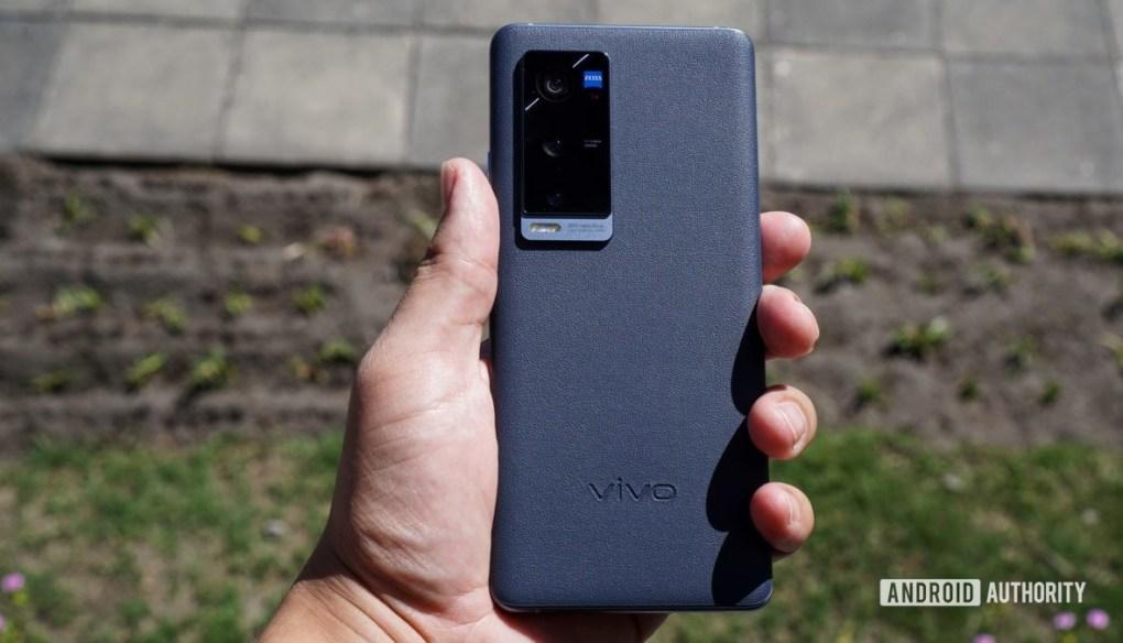 Vivo X60 Pro Plus back in sunlight
