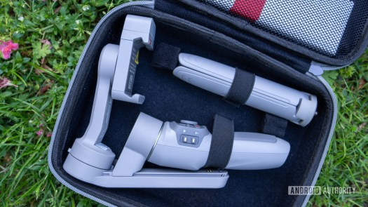 Zhiyun Smooth Q3 in carrying case with tripod