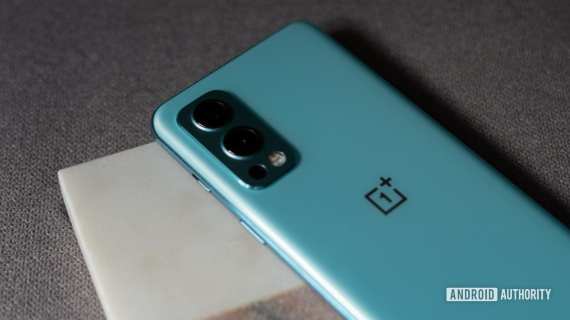OnePlus Nord 2 side profile