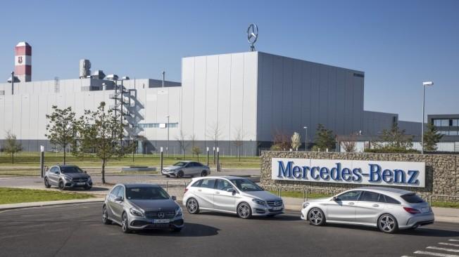 Resultado de imagen para Fotos de la fábrica de la Mercedes-Benz