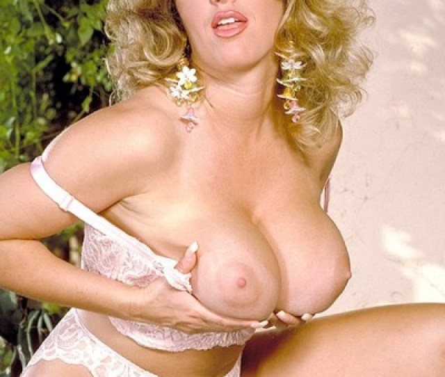 Sheela Big Tits Model