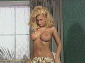 Tina Cheri: Tiny Dancer