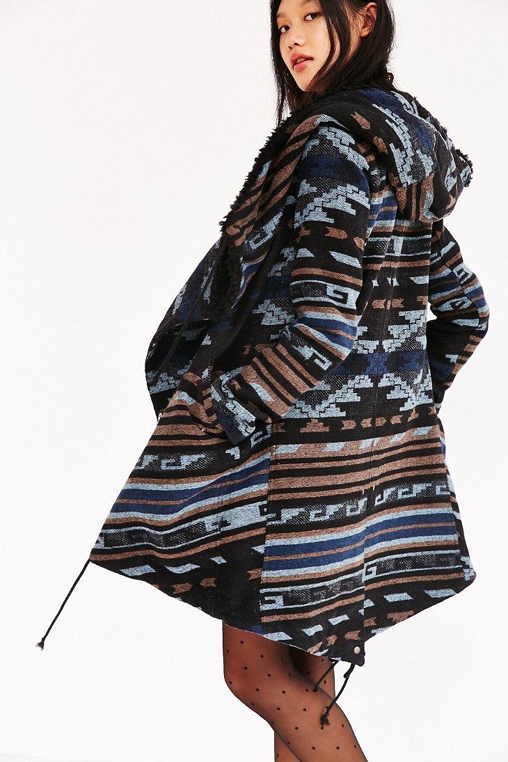 Oversized Blanket Chest