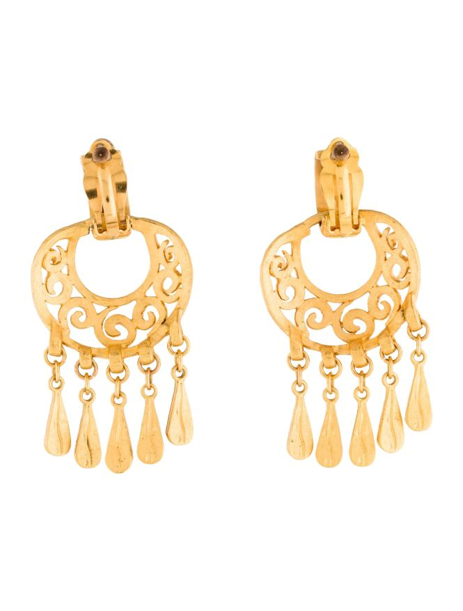 Chanel Metallic Chandelier Earrings Gold Lyst View Fullscreen