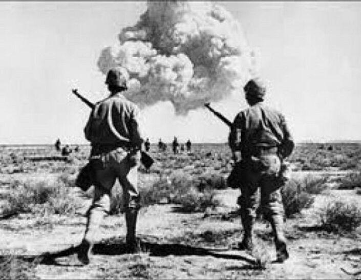 التجارب الفرنسية النووية في الجزائر تعود إلى الذاكرة من جديد (صور) -  Sputnik Arabic