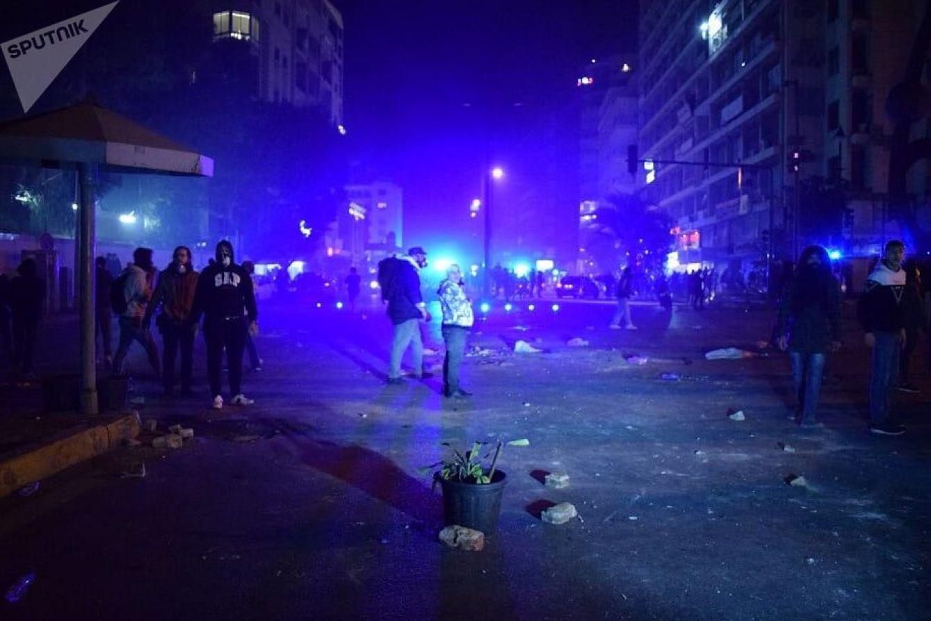 احتجاجات واشتباكات في وسط بيروت