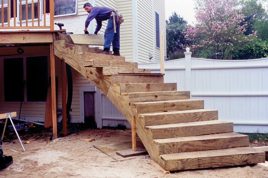 Curved Deck Stairs Professional Deck Builder   Building A Curved Staircase   Indoor   36 Inch Diameter   Garage   Circular   Outside
