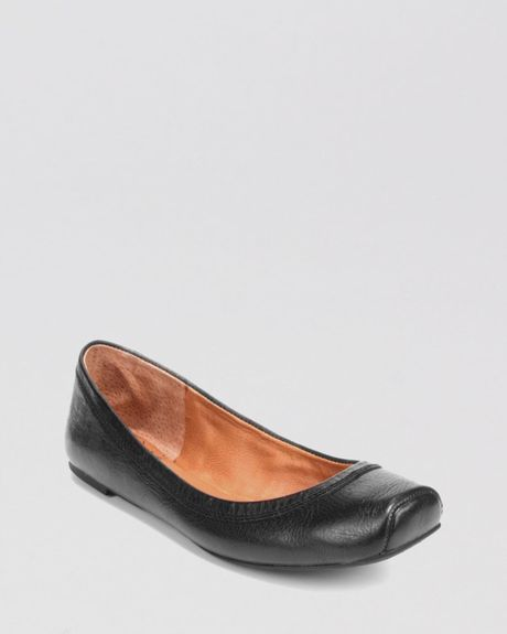 Flat Black Toe Ballet Square