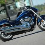 SuzukiM109R Power Cruiser Fat Tire - motorcycle review