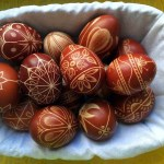 8 Unbelievable Easter Egg Decorations