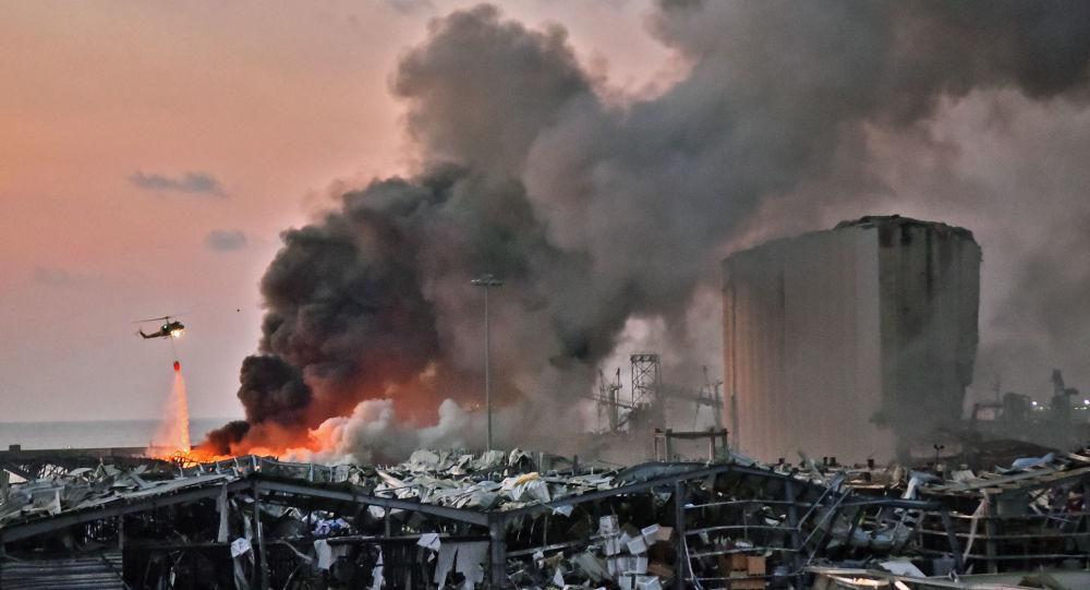 «J'ai pensé à un tremblement de terre»: l'explosion à Beyrouth racontée par des témoins – vidéo
