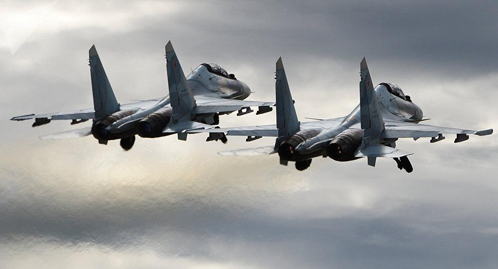 Des chasseurs russes interceptent des avions de l'Otan au-dessus des mers Noire et de Barents