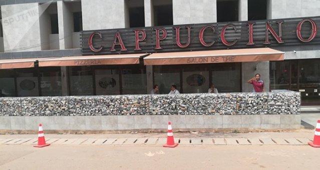 Façade du Cappuccino, jadis « la plus belle vitrine de Ouaga ». Juin 2018