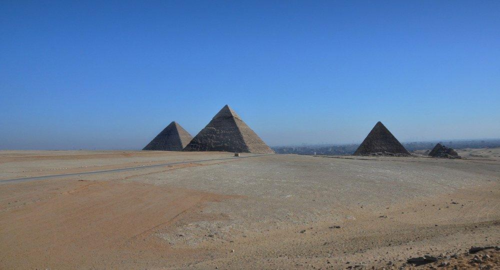 Elon Musk déclare que les extraterrestres ont bâti les pyramides, l'Égypte lui répond