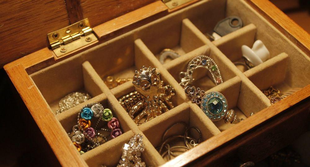 À Marseille, des braqueurs de bijoux repartent les mains vides en pensant avoir volé une fortune