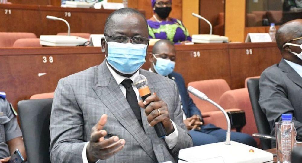 Le président du Sénat ivoirien encourage la recherche scientifique pour prévenir d'autres crises sanitaires