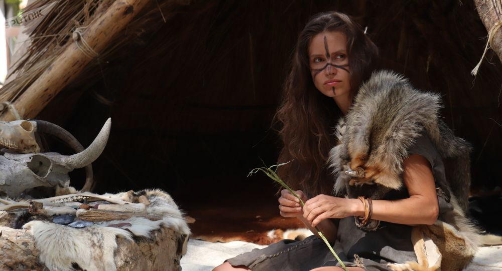 Pas seulement cueilleuse: la place de la femme préhistorique dans la chasse au gros gibier est révisée