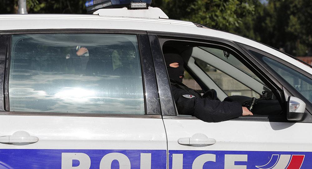 Un chauffard lynché par des jeunes en colère après avoir fauché une fillette près de Lyon