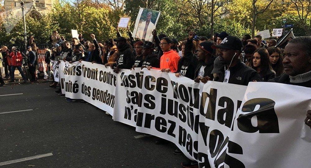 «Les oppresseurs ce sont eux»: la sœur d'Adama Traoré appelle à manifester malgré l'interdiction