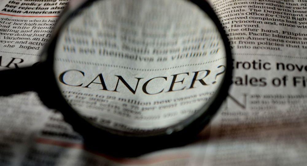 Un Britannique qui avait menti sur son cancer termine en prison