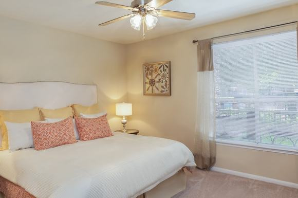 Reserve At Woodwind Lakes Apartments