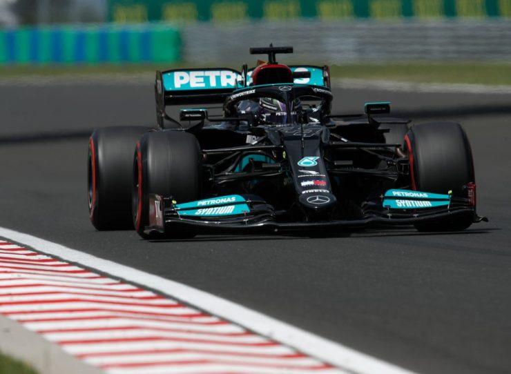 Hamilton usou todas as artimanhas para conseguir a 101ª pole na carreira (Crédito: Twitter / Mercedes)