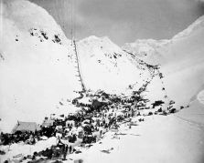 Step Four: Take either the Chilkoot or the White Pass trails to the Yukon River and then sail down to the Klondike region. The Chilkoot Pass took Klondikers over the border into Canada. Most of those travelling were not skilled miners and were ill-prepared for the challenges that lay ahead.