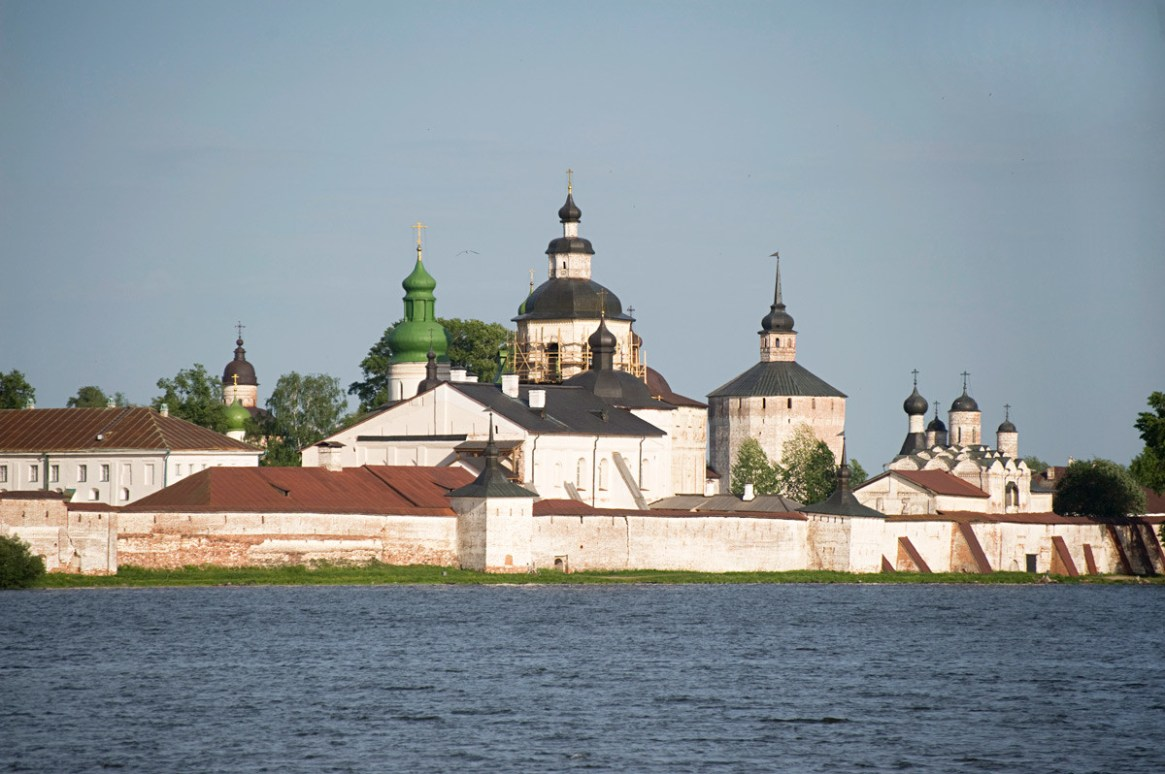 St. Kirill-Belozersky Monastery, southwest view from Siverskoe Lake. Dormition Cathedral at left center with green dome. June 1, 2014.