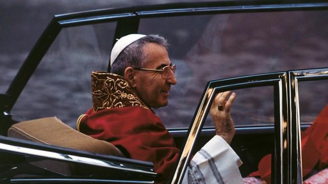 """""""Tenía las uñas oscuras"""": Esta es la """"desnuda y cruda verdad"""" sobre la muerte del papa Juan Pablo I"""