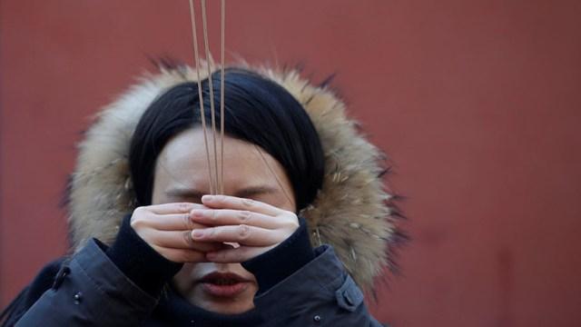 VIDEO: Un expresidiario chino abre una 'escuela' donde se enseña a las mujeres a ser sumisas