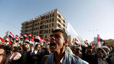 Rebeldes hutíes celebran el asesinato del expresidente de Yemen, Ali Abdullah Saleh, 5 de diciembre de 2017