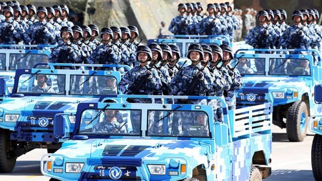 """Delegación china llega a Rusia """"para mostrar a EE.UU. la estrecha relación"""" de sus fuerzas armadas"""