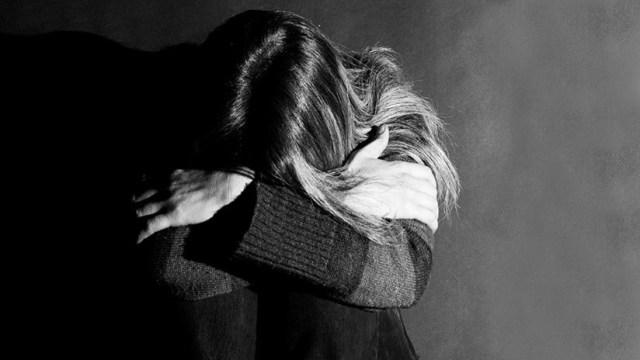 """""""El diablo adentro"""": Pastor evangélico viola a una familiar durante un exorcismo improvisado"""