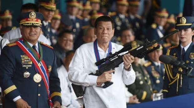 El presidente filipino, Rodrigo Duterte, durante una ceremonia en Manila, Filipinas. 19 de abril de 2018.