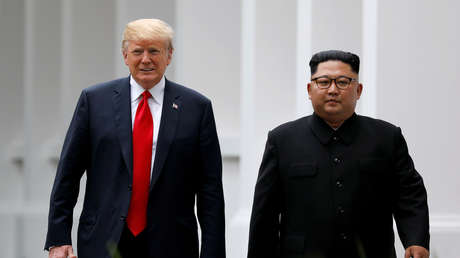 Donald Trump y Kim Jong-un durante el encuentro en la isla de Sentosa, en Singapur, el 12 de junio de 2018.