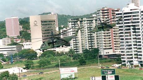 Helicópteros del ejército de EE.UU. en Panamá durante la Operación Causa Justa, diciembre de 1989.