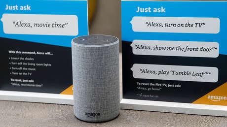 A smart speaker Amazon Echo.