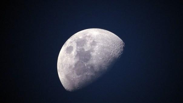 NASA: La Luna se encoge en medio de temblores