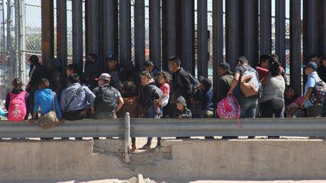 Miles de migrantes cruzaron la frontera con EE.UU. en la ciudad de Ciudad Juárez, México, el 22 de abril de 2019.