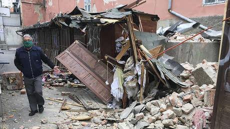 Edificios derrumbados y autos aplastados tras un fuerte sismo en Croacia (FOTOS)