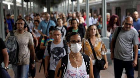 Brasil registra 77 muertes por coronavirus y suma 2.915 contagios